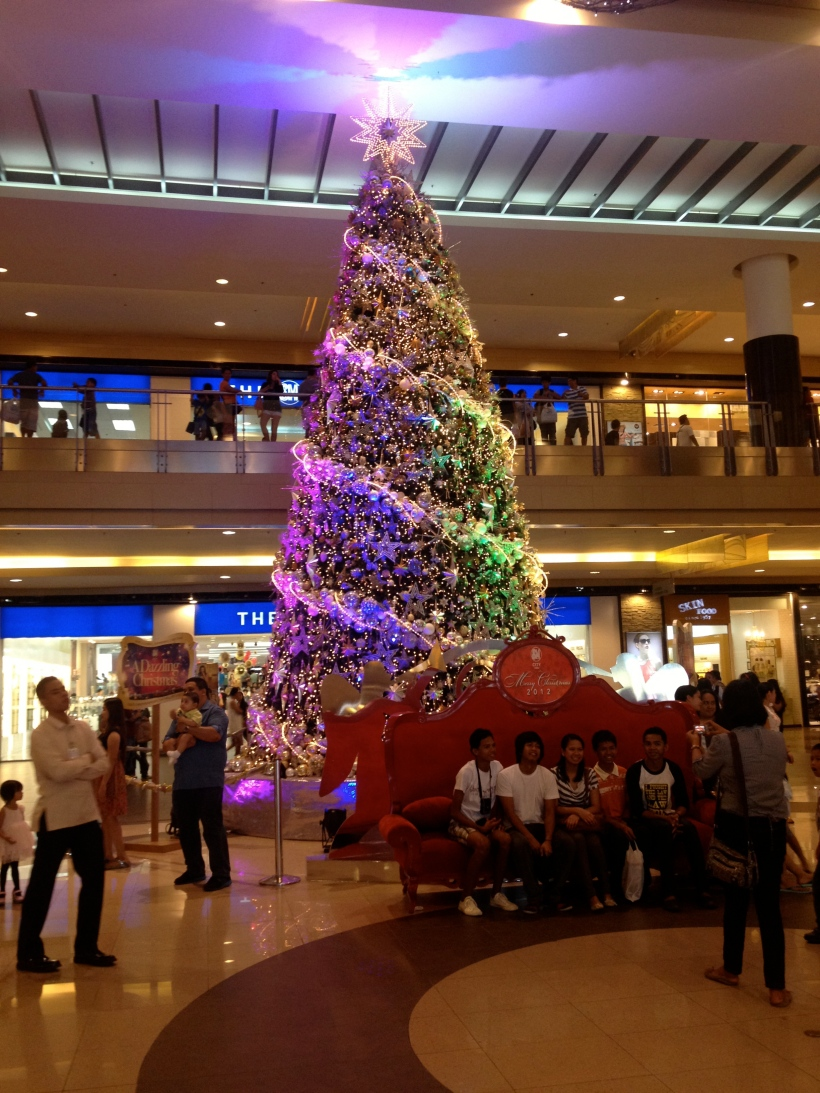 Christmas tree in Cebu City SM Mall